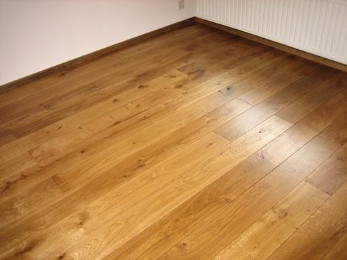Schuren en behandelen van uw houten vloer tvl parket tilburg